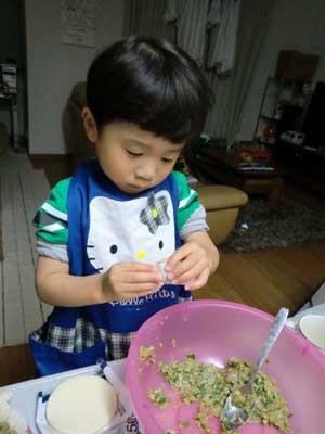 20111119餃子作り300×400CIMG6773.jpg